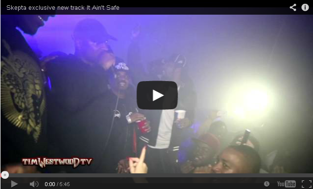 BRITHOPTV- [Live Performance] Skepta (@Skepta) performs his new track 'It Ain't Safe ft Young Lord' at the Block Party! - #Grime